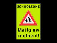 Verkeersbord SCHOOLZONE RVV J21 matig uw snelheid