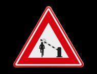 Verkeersbord  - waarschuwing fietsers voor dalende slagboom