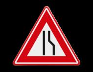 Verkeersbord RVV J18 - Vooraanduiding rijbaanversmalling rechts