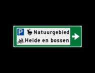 Verwijsbord KOKER Groen/wit/zwart - pijl rechts, 2 regelig met 3 pictogrammen - Klasse 3 reflecterend