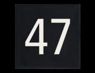 Stoeptegel 300x300mm - Zwart met witte huisnummers
