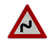 Verkeersbord België A01d - Dubbele bocht rechts