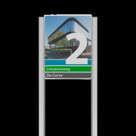 Bedrijfsnaambord 3:4 reflecterend met luxe staanders - Met beeldmateriaal/foto
