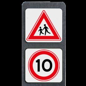 Verzwaarde bermpaal met 2 borden symbolen