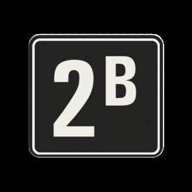 Huisnummerbord Alupanel 119x109mm - Reflecterende opdruk: Huisnummerbord Alupanel 119x109mm met print van tekst / pictogrammen in reflectieklasse 3 (incl. anti-graffiti laminaat). Basis: Zwart (Rand: RAL 9017 - zwart) kaderrand: Pictogram: Kaderrand Tekstvlak: 2B. - Product eigenschappen: Ontwerpcode: 193820Afmetingen: 119x109mmReflecterend: Klasse 3 [ maximaal ]Incl. anti-graffiti laminaat