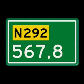 Aluminium hectometerbord met een dubbel omgezette rand - Aluminium hectometerbord met een dubbel omgezette rand met print van tekst / pictogrammen in reflectieklasse 3 (incl. anti-graffiti laminaat). Reflecterende opdruk: Basis: N-3 nummers (Rand: RAL 6024 - groen) Tekstvlak: N292 Tekstvlak: 567,8.