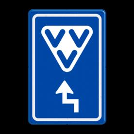 Aluminium informatiebord met een dubbel omgezette rand - Aluminium informatiebord met een dubbel omgezette rand met print van tekst / pictogrammen in reflectieklasse 3 (incl. anti-graffiti laminaat). Reflecterende opdruk: Basis: Blauw (Rand: RAL 5017 - blauw) Picto boven: Pictogram: VVV Picto onder: Pictogram: Pijl links rechts haaks.