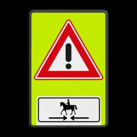 Aluminium informatiebord met een dubbel omgezette rand - Aluminium informatiebord met een dubbel omgezette rand met print van tekst / pictogrammen in reflectieklasse 3 (incl. anti-graffiti laminaat). Reflecterende opdruk: Basis: Fluor geel-groen / zwarte rand (Rand: RAL 9017 - zwart) Verkeersteken: Pictogram: J37 Picto onder: Pictogram: Kruisende ruiters te paard.