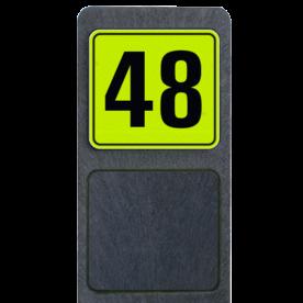 Bermpaal 1250x150x40mm met fluorescerend bordje 119x109mm - Bermpaal 1250x150x40mm met fluorescerend bordje 119x109mm met print van tekst / pictogrammen in reflectieklasse 3 (incl. anti-graffiti laminaat). Reflecterende opdruk: Basis: Geel-groen-Fluor met zwart (Rand: RAL 9017 - zwart) Tekstvlak: 48.