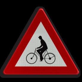 Verkeersbord A25: Oversteekplaats voor fietsers en bestuurders van tweewielige bromfietsen of plaats waar die bestuurders van een fietspad op de rijbaan komen. Verkeersbord België A25 - Oversteekplaats voor fietsers A25 pas op, let op, fietsers, bromfietsers, J24
