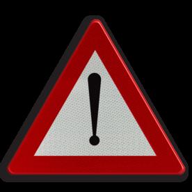 Verkeersbord A51: Gevaar dat niet door een speciaal symbool wordt bepaald. Een onderbord duidt de aard van het gevaar aan Verkeersbord België A51 - Algemeen gevaar A51 pas op, let op, J37