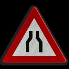 Verkeersbord A7a: Rijbaanversmalling Verkeersbord België A07a - Rijbaanversmalling A07a pas op, let op, dubbele bocht, helling, stijgend, omhoog, heuvel, berg, steil, RVV J07