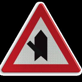 Verkeersbord B15d: Voorrang. De horizontale streep van het symbool mag worden gewijzigd om duidelijker plaatsgesteldheid weer te geven Verkeersbord België B15d - Voorrang verlenen B15d B07, Kruising, B6