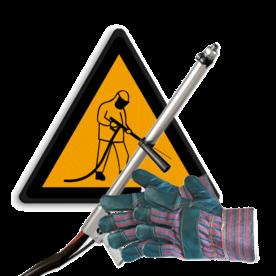 Bestaande markering verwijderen - (aanstralen / borstelen) vloer, weg, vloercoating, vloermarkering, grondmarkering, grond, weg, wegmarkering, parkeergarage, ondergrond, reinigen, aanstralen, stofvrij, markering, wegenverf, verf, wegen