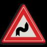Verkeersbord J04 - Vooraanduiding S-bocht(en) eerst naar rechts