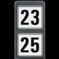 Huisnummerpaal met 2 reflecterende bordjes 119x109mm