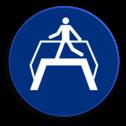 Product Het gebruiken van loopbrug verplicht Veiligheidspictogram - Loopbrug gebruiken verplicht - M023 NEN7010, veiligheidspictogram, loopbrug, verplicht, gebruiken