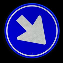 Verkeersbord Gebod voor alle bestuurders het bord voorbij te gaan (passeren) aan de zijden die de pijlen aangeven. Verkeersbord RVV D02 - Gebod te passeren D02 Pijlbord, rond blauw bord, D2, rijrichting, passeren, langsrijden