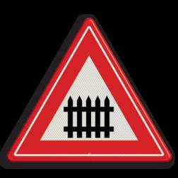 Verkeersbord Je nadert een bewaakte overweg met slagbomen Verkeersbord RVV J10 - Vooraanduiding overweg met slagbomen J10 spoorwegen, spoorwegovergang, overgang, overweg, trein, treinen, let op, pas op, J10, bewaakte overgang, waarschuwingsborden