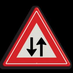 Verkeersbord Let op tegenliggers Verkeersbord RVV J29 - Vooraanduiding tegenliggers J29 tegemoetkomend verkeer, let op, pas op, J29, tegenliggers, waarschuwingsbord