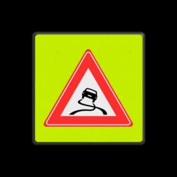 Verkeersbord Slipgevaar (glad wegdek) ~FLUOR achtergrond Verkeersbord RVV J20f J21, spelende kinderen, UV,