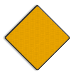 Scheepvaartbord Aanbevolen doorvaartopening, doorvaart uit tegengestelde richting toegestaan. De tekens D.1a en D.1b komen, uitgevoerd als bord(en), meestal voor aan bruggen en soms aan vaste overspanning van beweegbare bruggen. In plaats van borden wordt meer en meer gebruik gemaakt van lichten. Bij bruggen bestaande uit een beweegbaar gedeelte en één of meer vaste overspanning(en), is toepassing van 's nachts verlichte borden aan de vaste overspanningen aan te bevelen. De reden hiervoor is, dat bij toepassing van lichten het totale seinbeeld niet altijd duidelijk zal overkomen. Het verkeersteken D.1a als bord of als vast geel licht geeft de aanbevolen doorvaartopening aan, plus het feit dat de doorvaart uit beide richtingen is toegestaan. Alleen doorvaartopeningen, die volgens de Richtlijnen Vaarwegen breed genoeg zijn voor tweerichtingsverkeer, komen in aanmerking. Indien een vaste brug slechts één opening heeft is het teken, meestal uitgevoerd als licht, midden boven de doorvaartopening aan te brengen. Het licht fungeert dan als oriëntatiepunt. Dit laatste kan bijvoorbeeld het geval zijn bij vaste bruggen over kanalen, waarbij overige vaarwegverlichting ontbreekt. Scheepvaartbord BPR D. 1a - Aanbevolen doorvaart- opening, doorvaart uit tegengestelde richting toegestaan D. 1a water, D1a, aanbevelingstekens, aanbevelingsborden, waterweg, waterwegen, scheepvaarttekens, verkeerstekens