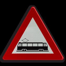 Verkeersbord A49: Kruising van een openbare weg door een of meer in de rijbaan aangelegde sporen Verkeersbord België A49 - Kruising van weg met sporen A49 pas op, let op, trein, tram, J14