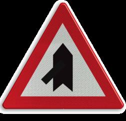 Verkeersbord B15b: Voorrang. De horizontale streep van het symbool mag worden gewijzigd om duidelijker plaatsgesteldheid weer te geven. Verkeersbord België B15b - Voorrang verlenen B15b B07, Kruising, B6
