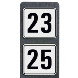 Huisnummerpaal met 2 reflecterende bordjes 119x109mm buitengebied, huisnummer, nummer, huis, buiten, gebied, paal, Modern, huisnummerbord, Dubbel, Huisnummerpaal, Huisnummerpalen