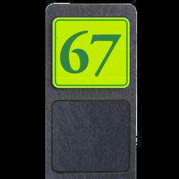 Huisnummerpaal met bord fluorescerend + reflecterend 119x109mm buitengebied, huisnummer, nummer, huis, buiten, gebied, paal, Klassiek, huisnummerbord, Huisnummerpaal, Huisnummerpalen