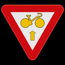 Verkeersbord B23: Dit verkeersbord wordt geplaatst aan een kruispunt waar fietsers rechtdoor mogen rijden, wanneer het verkeerslicht op rood of oranje/geel staat, op voorwaarde dat zij hierbij voorrang verlenen aan de andere weggebruikers die zich verplaatsen op de openbare weg of op de rijbaan. Verkeersbord SB250 B23 - Fietser rechtdoor B23