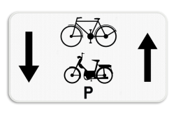 Verkeersbord M17: Dit onderbord geeft aan dat fietsers en speed pedelecs een uitzondering hebben en in 2 richtingen op de weg mogen rijden. Verkeersbord SB250 M17 - Fietsers en speed pedelecs mogen in 2 richtingen M17