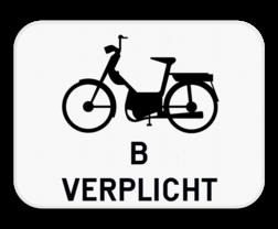 Verkeersbord M6: Dit onderbord is een aanvulling op een D7 bord en verplicht tweewielige bromfietsers klasse B om ook het fietspad te gebruiken. Verkeersbord SB250 M6 - Verplichting voor bromfietsen klasse B M6