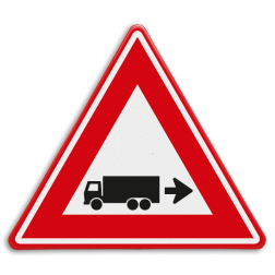 Verkeersbord rechts achteruitrijdende vrachtwagen Verkeersbord - waarschuwing rechts achteruitrijdende vrachtwagen Vrachtwagen, oppassen, achteruit