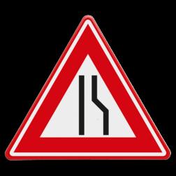 Verkeersbord Rijbaanversmalling rechts / naar links uitwijken. Verkeersbord RVV J18 - Vooraanduiding rijbaanversmalling rechts J18