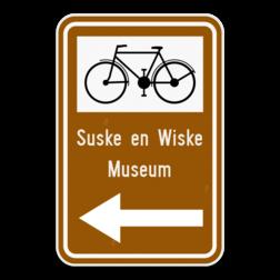 Verkeersbord F34c2: Bewegwijzeringsbord voor de aanbevolen reisweg naar een toeristische bestemming voor bepaalde categorieën van weggebruikers. Het verkeersbord wordt aangevuld met de symbolen van een fietser, ruiter of voetganger . De afstand in km kan op de wegwijzer aangeduid zijn. Verkeersbord SB250 F34c2 - Aanduiding naar een toeristische bestemming F34c2