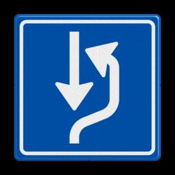 Verkeersbord Op smalle wegen in het buitengebied is het moeilijk of niet mogelijk tegenliggers te passeren. Bij het bord L20 moet je zelf de auto even neerzetten op de uitwijkplaats om een tegenligger te laten passeren. Verkeersbord RVV L20 - uitwijkplaats rechts L20