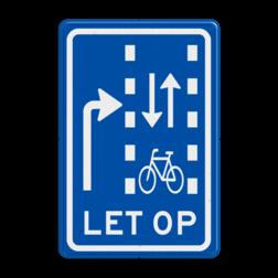 Verkeersbord Let op: rechtdoorgaande fietsers in twee richtingen Verkeersbord RVV VR09-03 - Let op: recht doorgaande fietsers in twee richtingen VR09-03