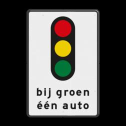 Verkeersbord Bij groen één auto Verkeersbord RVV VR08 bij groen één auto VR08