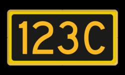 Seinnummerbord Aanduiding van het nummer van een codewisselsein Nr. 330 dat is gekoppeld aan een lichtsein met hetzelfde nummer. Seinnummerbord codewisselsein - RS - 400x200mm - Reflecterend RS SC
