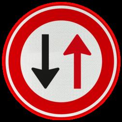 Verkeersbord Verbod voor bestuurders door te gaan bij nadering van verkeer uit tegengestelde richting Verkeersbord RVV F05 - Tegenligger heeft voorrang F05
