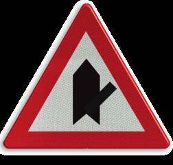 Verkeersbord B15e: Voorrang. De horizontale streep van het symbool mag worden gewijzigd om duidelijker plaatsgesteldheid weer te geven. Verkeersbord België B15e - Voorrang verlenen B15e B07, Kruising, B6