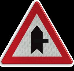 Verkeersbord B15f: Voorrang. De horizontale streep van het symbool mag worden gewijzigd om duidelijker plaatsgesteldheid weer te geven Verkeersbord België B15f - Voorrang verlenen B15f B07, Kruising, B6